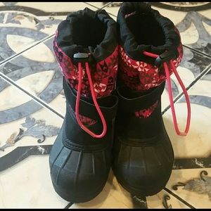 Like new toddler girl snow boots